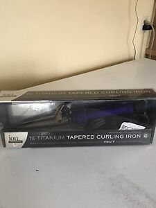 Tapered Curling Iron brand new