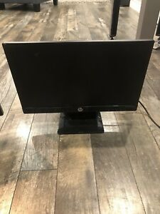 "22"" and 19"" lcd/led flatscreen HP and LG monitors"