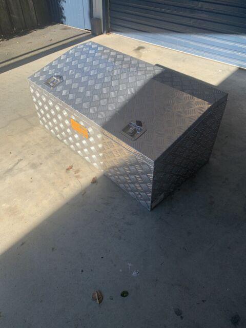 2x Nubco toolbox'