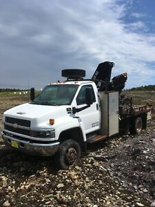 2006 chev 5500 boom truck