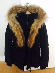 Super beau manteau de marque Mackage en excellente condition