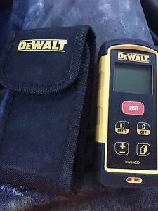 Digital laser measurer