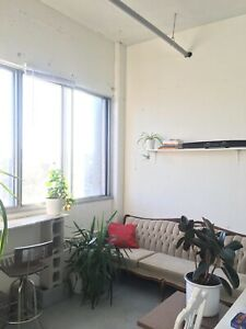 Shared artist studio place Mile-end, for May or June!