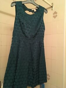 Collection of young ladies fashion dresses size 4-6-8 (S/M)