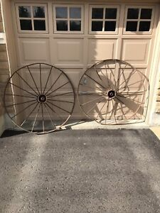 Metal wagon wheels for sale or rent