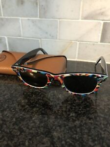 Authentic Rayban wayfarer with case