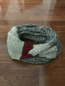 Roots Women's Cable Knit Infinity Scarf