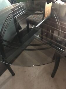 "42"" Round Glass Table Topper"