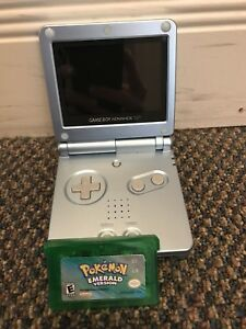Gameboy Advance SP and Pokémon Emerald