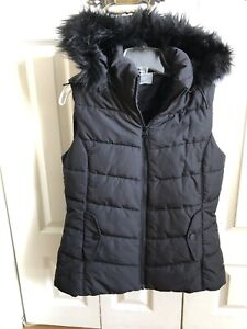 WindRiver Black Vest with removable Hoodie - Large