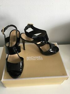 Like New Michael Kors Black heels size 8