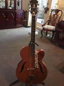 Beautiful LP Custom Jazz Guitar South Yarra Stonnington Area Preview