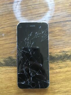 cracked IPHONE 6 / 32GB for only $80