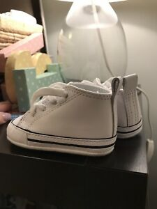 Infant converse baby size 2