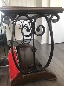 Console table excellent condition