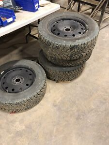 225/60R16 ultra grip ice