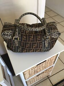 FENDI BAG Waterford West Logan Area Preview
