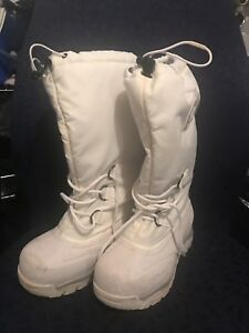 Sorel Women's Snowlion Tall Winter Boot - Size 7