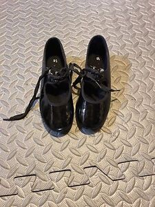 Dance shoes - Kids size 9 1/2  Tap shoes from Payless