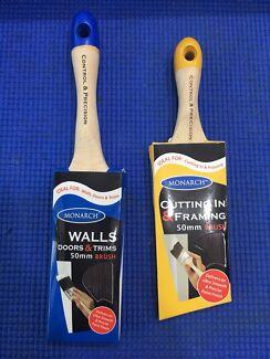 MONARCH Paint Brushes (x2)