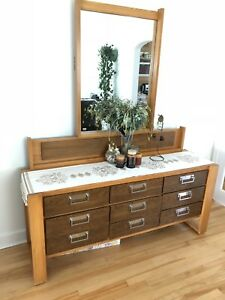 ‼️Stylish Wooden Cabinet With Mirror‼️