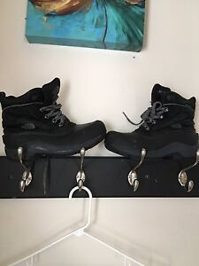 Boys north face boots