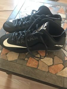 Nike football cleats size 11