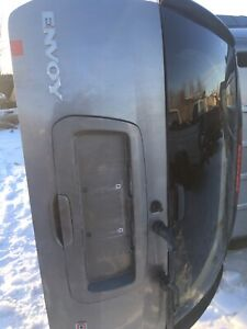2002-2009 Envoy rear hatch , very solid clean hatch