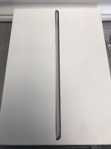 iPad 9.7 wifi + Cellular 32GB like new With Warranty