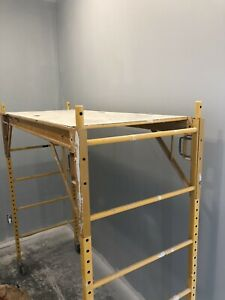 Metal tech baker scaffold with wheels
