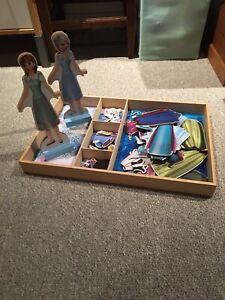2 wooden magnet doll sets