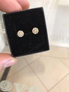Diamond earrings Port Augusta West Port Augusta City Preview