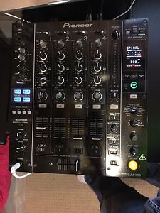 Pioneer DJM-850 4 channel mixer with built in sound card