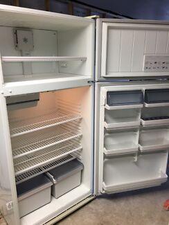 Westinghouse 525L fridge freezer
