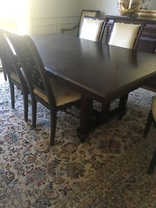 Dining room table, 8 chairs, Buffett
