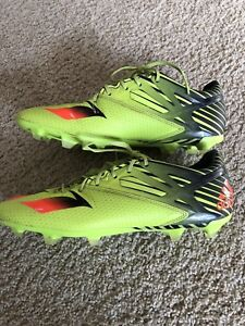 Boys/youth soccer shoes