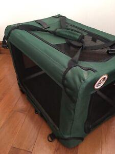 Dog / cat  , pet  portable, indoor/ outdoor crate nice green