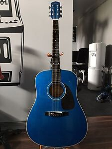 Great Beginner Guitar with strap,stand & carrying case