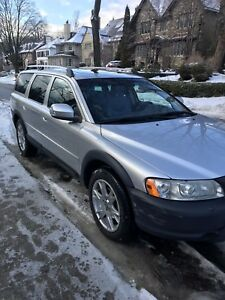 2007 Volvo XC70 2.5T- Low KM's