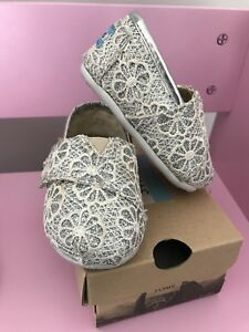 Like new tiny Toms glitter and crochet Size 4