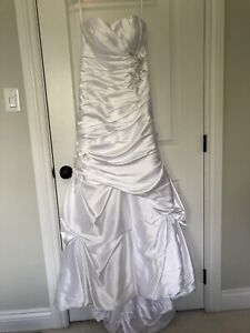 White Wedding dress size 6-8