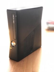Xbox 360 - 256HD - Latest Model