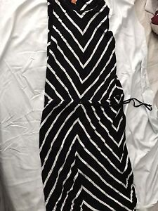 Lots of beautiful summer dresses size S-M and some L