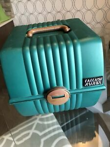 Sassaby Vintage Make Up Train Case Craft Organizer