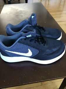 New Nikes never worn
