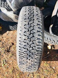 1 pneu d'hiver/1 winter tire