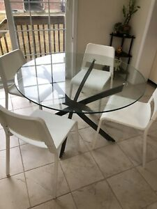 Glass top Dining Table with 4 chair