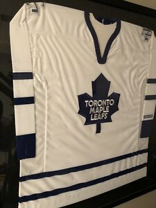 Toronto Maple Leafs - signed