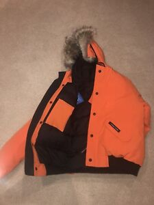 New Canada Goose still with tags