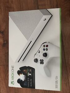 Xbox one S 500 gig bundle NEW NEUF